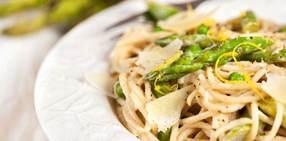 Lemon pasta with asparagus